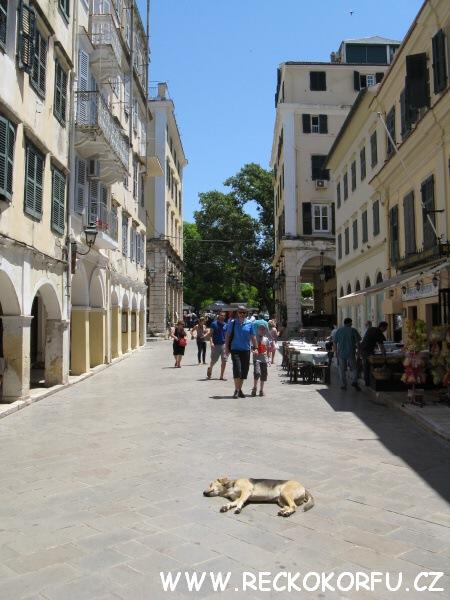 Kerkyra hlavní město - Řecko Korfu