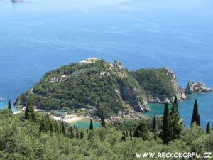 Korfu Paleokastritsa - Výhled z vesnice Lakones 2