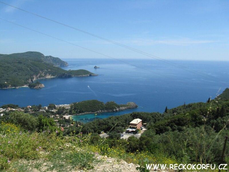 Korfu Paleokastritsa - Výhled z vesnice Lakones 3