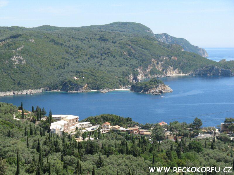 Korfu Paleokastritsa - Výhled z vesnice Lakones 4