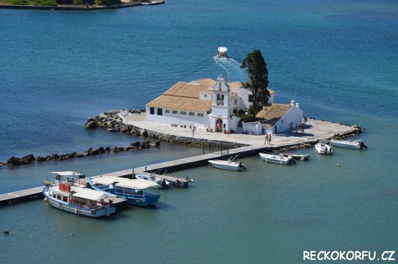 Kostelíček Kanoni Korfu Řecko