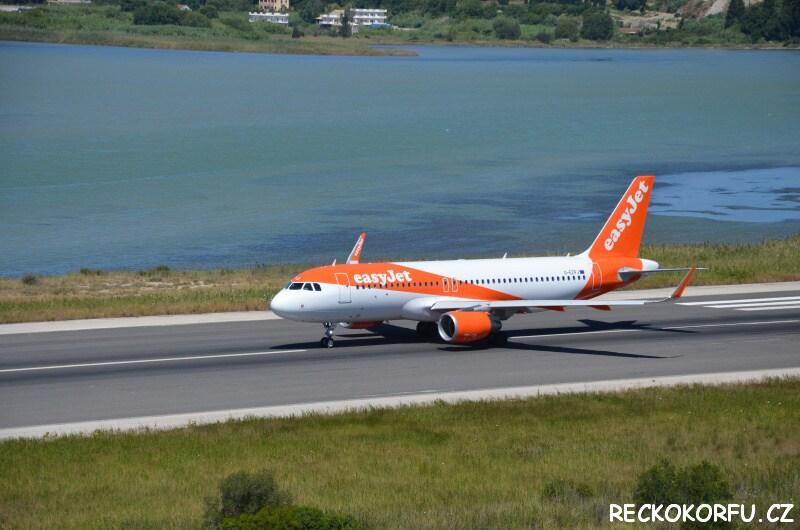 Letiště Korfu přistávací dráha