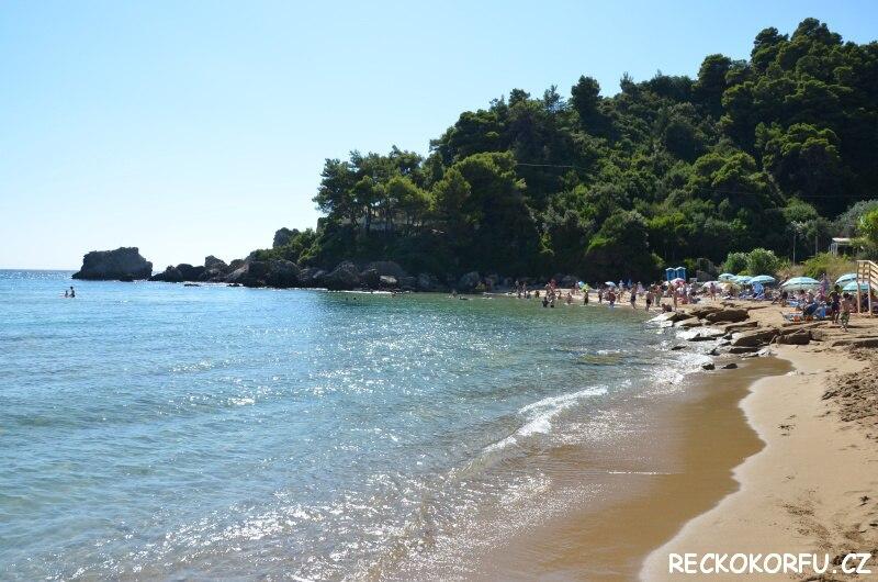 Pláž Glyfada Řecko Korfu